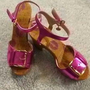 NWOT Pink Metallic JUICY COUTURE Platform Sandals